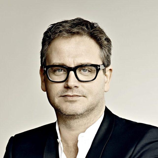 Guus Meeuwis boeken doe je via Boekingsbureau de V.I.P. Fabriek.nl