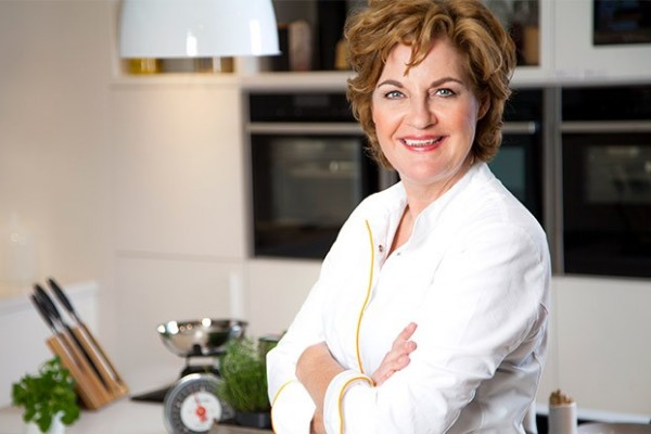 Angelique Schmeinck boeken doe je via Boekingsbureau de V.I.P. Fabriek.nl