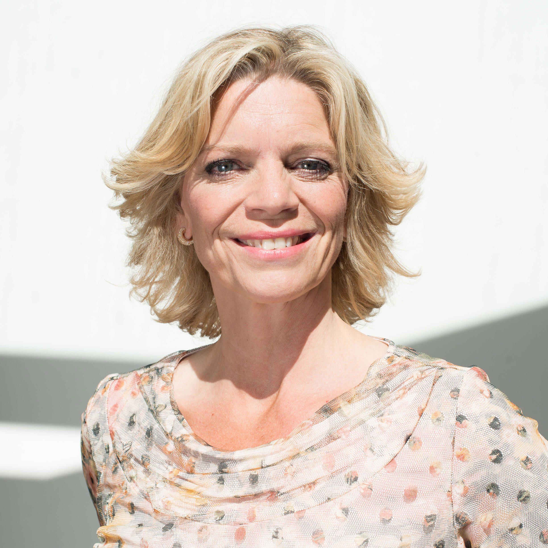 Inge Diepman boeken als dagvoorzitter, interviewer, gespreksleider, host, presentatrice of als spreker doe je via Boekingsbureau de V.I.P. Fabriek.nl