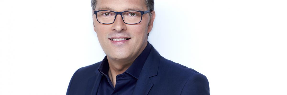 Jeroen Latijnhouwers boeken doe je via Boekingsbureau de V.I.P. Fabriek.nl