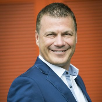 Rob van Rossum is nu te boeken via de boekingsbureau V.I.P. Fabriek