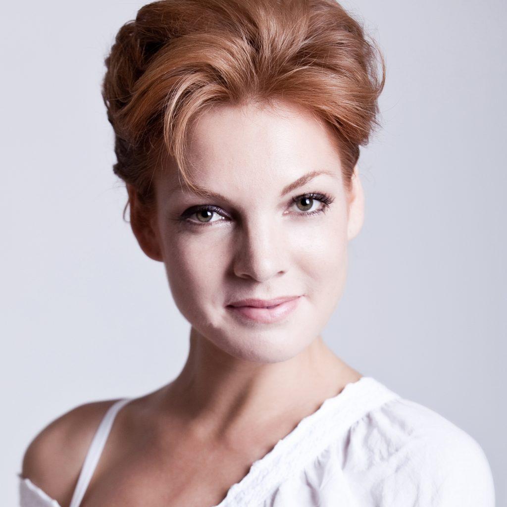 Actrice Janna Fassaert boeken als actrice, dagvoorzitter, spreker doe je via Boekingsbureau de VIPFabriek.nl
