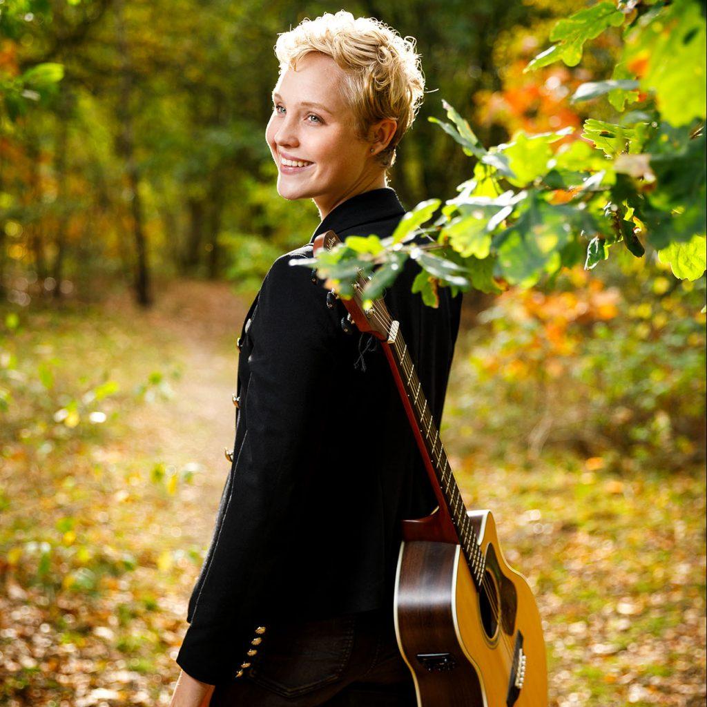 Lisanne Spaander boeken als spreker of als zangeres, doe je via boekingsbureau de V.I.P. Fabriek