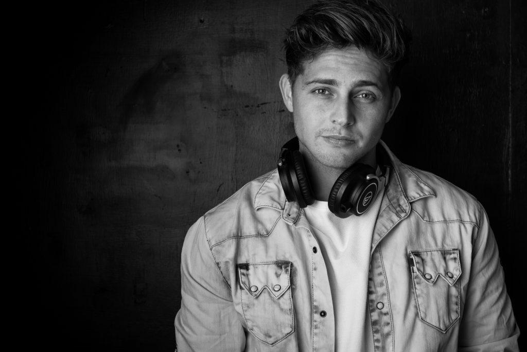 Rick Douwsma boeken als DJ, doe je via boekingsbureau de V.I.P. Fabriek | Sprekers boeken | Artiesten Boeken